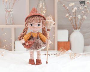Green-frog-crochet-Hazel-doll